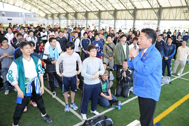 サッカーのトレーニング施設「J-GREEN堺」での挨拶